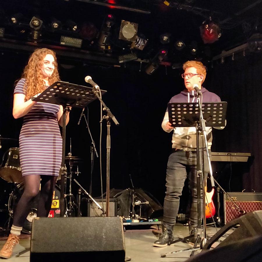 Christian et Maude lisent un texte de théatre